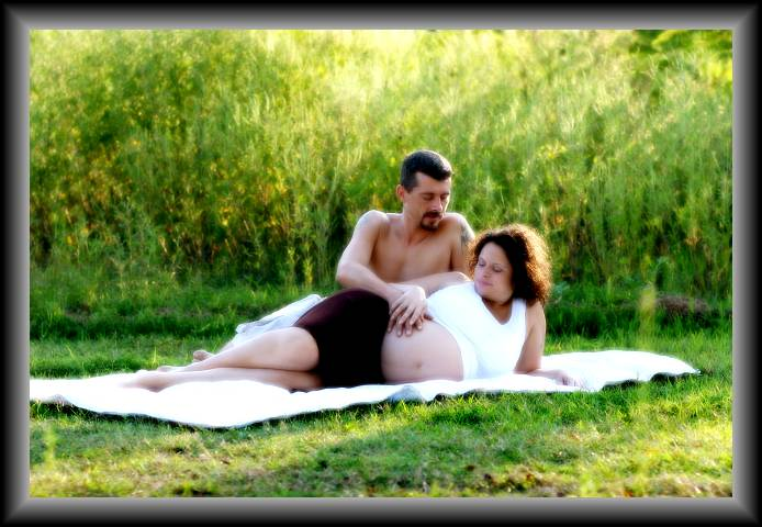 Neicy and Bubby Maternity Photo